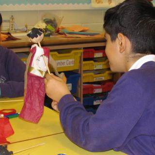 Puppet Making Workshop in Year 5